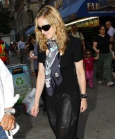Madonna out and about in New York, 13 September 2011 (15)