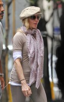 Madonna at the Kabbalah Centre in New York, 24 Septembre 2011 (7)