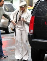 Madonna out and about in New York, 23 September 2011 (5)
