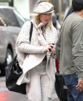 Madonna out and about in New York, 23 September 2011 (6)