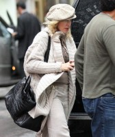 Madonna out and about in New York, 23 September 2011 (8)