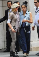 Madonna at the Kabbalah Centre in New York, 24 Septembre 2011 - Update 01 (1)