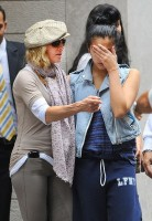 Madonna at the Kabbalah Centre in New York, 24 Septembre 2011 - Update 01 (2)