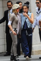 Madonna at the Kabbalah Centre in New York, 24 Septembre 2011 - Update 01 (5)