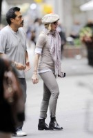 Madonna at the Kabbalah Centre in New York, 24 Septembre 2011 - Update 01 (8)