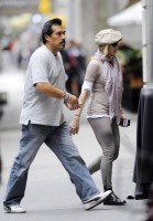 Madonna at the Kabbalah Centre in New York, 24 Septembre 2011 - Update 01 (11)