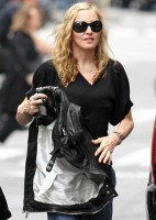 Madonna out and about in New York, 11 October 2011 (4)