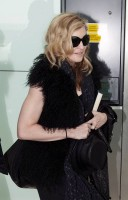 Madonna at Heathrow airport, October 24 2011 (4)