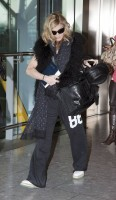 Madonna at Heathrow airport, October 24 2011 (5)