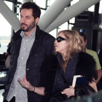 Madonna at Heathrow airport, October 24 2011 (6)