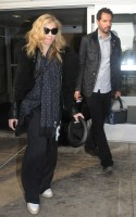 Madonna arriving at JFK airport, New York - 24 October 2011 (6)