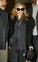 Madonna arriving at JFK airport, New York - 24 October 2011 (10)