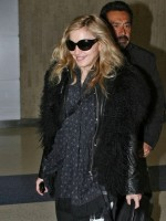 Madonna arriving at JFK airport, New York - 24 October 2011 (13)