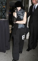 Madonna at the Kabbalah Centre, New York - 11 12 November 2011 (7)