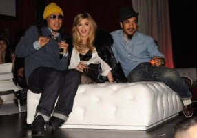 Madonna at the Smirnoff Nightlife Exchange Project, New York - 12 November 2011 (3)