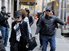 Madonna at the Kabbalah Centre - 12 November 2011 (2)