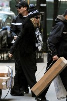 Madonna leaving the Kabbalah Centre in New York, 3 December 2011 (6)