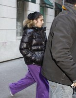 Madonna leaving the Kabbalah Centre, 10 December 2010 (14)