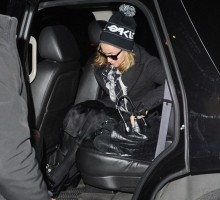 Madonna out and about in New York, 16 December 2011 (8)