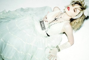 Sky Ferreira pays tribute to Madonna for V Magazine by Mario Testino (3)