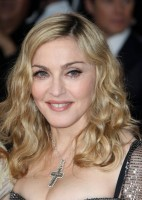 Madonna at the Golden Globes, Red Carpet - 15 January 2012 - Update 01 (10)