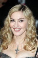 Madonna at the Golden Globes, Red Carpet - 15 January 2012 - Update 01 (11)