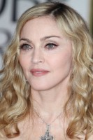 Madonna at the Golden Globes, Red Carpet - 15 January 2012 - Update 01 (15)