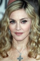 Madonna at the Golden Globes, Red Carpet - 15 January 2012 - Update 01 (16)
