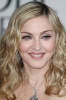Madonna at the Golden Globes, Red Carpet - 15 January 2012 - Update 01 (17)
