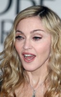 Madonna at the Golden Globes, Red Carpet - 15 January 2012 - Update 01 (18)
