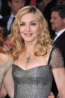 Madonna at the Golden Globes, Red Carpet - 15 January 2012 - Update 01 (19)