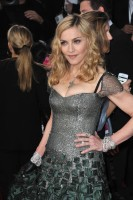 Madonna at the Golden Globes, Red Carpet - 15 January 2012 - Update 01 (22)
