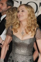 Madonna at the Golden Globes, Red Carpet - 15 January 2012 - Update 01 (32)