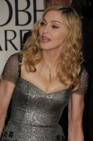 Madonna at the Golden Globes, Red Carpet - 15 January 2012 - Update 01 (39)