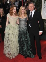 Madonna at the Golden Globes, Red Carpet - 15 January 2012 - Update 01 (57)