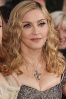 Madonna at the Golden Globes, Red Carpet - 15 January 2012 - Update 01 (58)