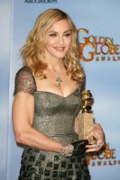 Madonna at the Golden Globes, Red Carpet - 15 January 2012 - Update 01 (61)