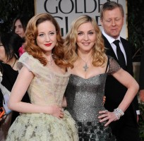 Madonna at the Golden Globes, Red Carpet - 15 January 2012 - Update 01 (68)