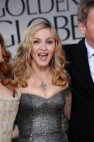 Madonna at the Golden Globes, Red Carpet - 15 January 2012 - Update 01 (82)