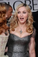 Madonna at the Golden Globes, Red Carpet - 15 January 2012 - Update 01 (83)
