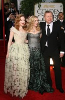 Madonna at the Golden Globes, Red Carpet - 15 January 2012 - Update 01 (84)