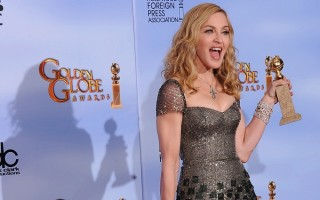 Madonna at the Golden Globes, Press Room - 15 January 2012 (10)