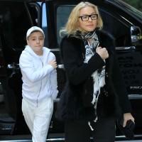 Madonna at the Kabbalah Centre, New York [27-28 January 2012] (5)