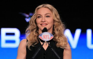 Madonna at the Super Bowl press conference - 2 February 2012 - Update 01 (14)