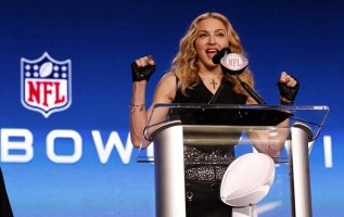 Madonna at the Super Bowl press conference - 2 February 2012 - Update 01 (28)