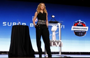 Madonna at the Super Bowl press conference - 2 February 2012 - Update 01 (29)