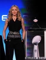 Madonna at the Super Bowl press conference - 2 February 2012 - Update 02 (16)