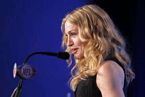 Madonna at the Super Bowl press conference - 2 February 2012 - Update 02 (18)
