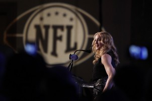 Madonna at the Super Bowl press conference - 2 February 2012 - Update 02 (21)