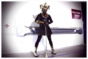 Backstage with Madonna at the Super Bowl - V Magazine (5)